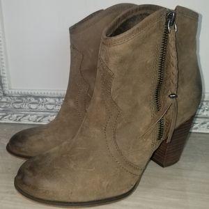 Aldo Dustar brown western booties size 38.5M